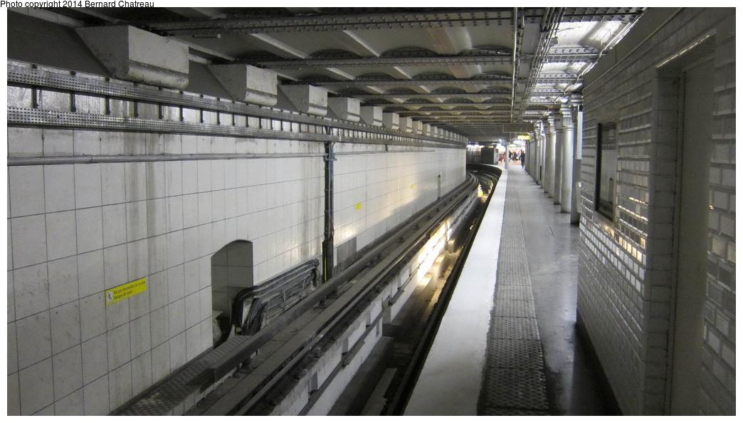 (243k, 1044x594)<br><b>Country:</b> France<br><b>City:</b> Paris<br><b>System:</b> RATP (Régie Autonome des Transports Parisiens)<br><b>Line:</b> Metro Ligne 4<br><b>Location:</b> Porte d'Orléans <br><b>Photo by:</b> Bernard Chatreau<br><b>Date:</b> 3/26/2013<br><b>Viewed (this week/total):</b> 1 / 120