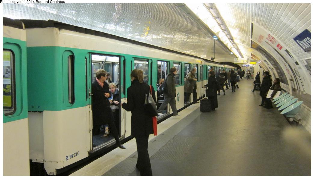 (249k, 1044x594)<br><b>Country:</b> France<br><b>City:</b> Paris<br><b>System:</b> RATP (Régie Autonome des Transports Parisiens)<br><b>Line:</b> Metro Ligne 3<br><b>Location:</b> Bourse<br><b>Car:</b> MF67 B14135 Rame  <br><b>Photo by:</b> Bernard Chatreau<br><b>Date:</b> 11/22/2011<br><b>Viewed (this week/total):</b> 2 / 136