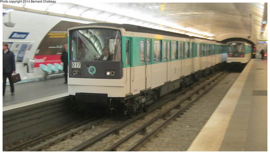 (192k, 1044x595)<br><b>Country:</b> France<br><b>City:</b> Paris<br><b>System:</b> RATP (Régie Autonome des Transports Parisiens)<br><b>Line:</b> Metro Ligne 3<br><b>Location:</b> Bourse<br><b>Car:</b> MF67 M10023 Rame 017 <br><b>Photo by:</b> Bernard Chatreau<br><b>Date:</b> 11/22/2011<br><b>Viewed (this week/total):</b> 2 / 194