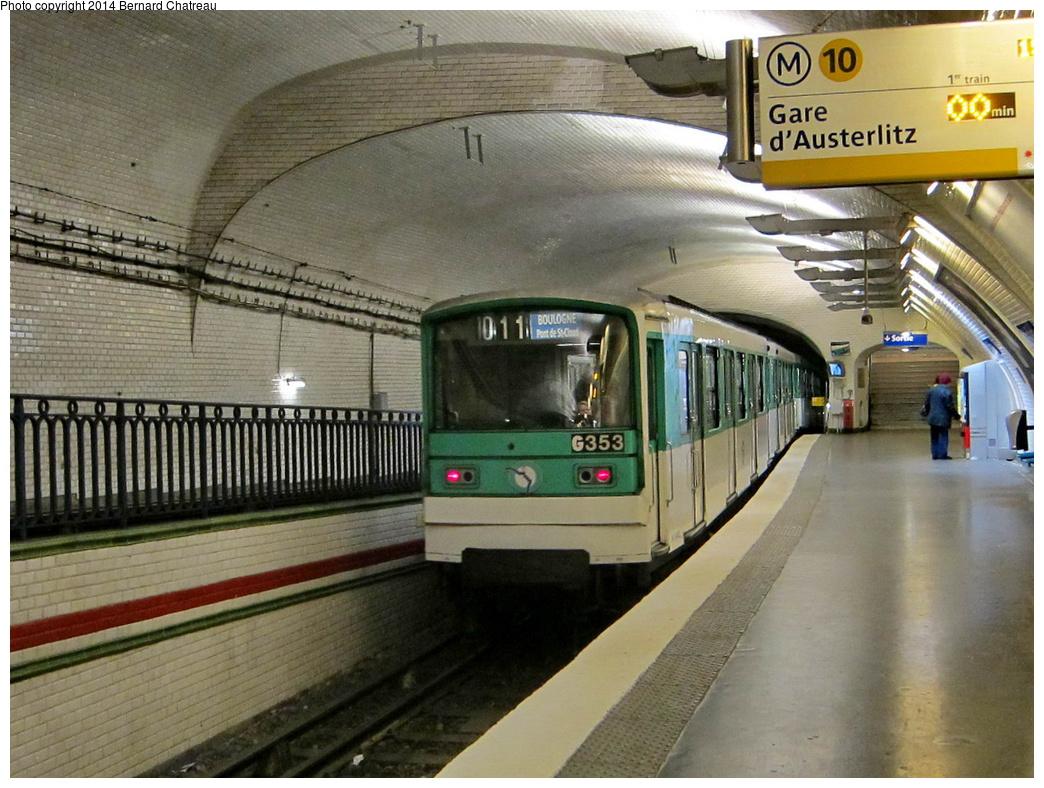 (345k, 1044x788)<br><b>Country:</b> France<br><b>City:</b> Paris<br><b>System:</b> RATP (Régie Autonome des Transports Parisiens)<br><b>Line:</b> Metro Ligne 10<br><b>Location:</b> Mirabeau<br><b>Car:</b> MF67 M10404_OU_3 Rame 353 <br><b>Photo by:</b> Bernard Chatreau<br><b>Date:</b> 1/13/2012<br><b>Viewed (this week/total):</b> 1 / 245