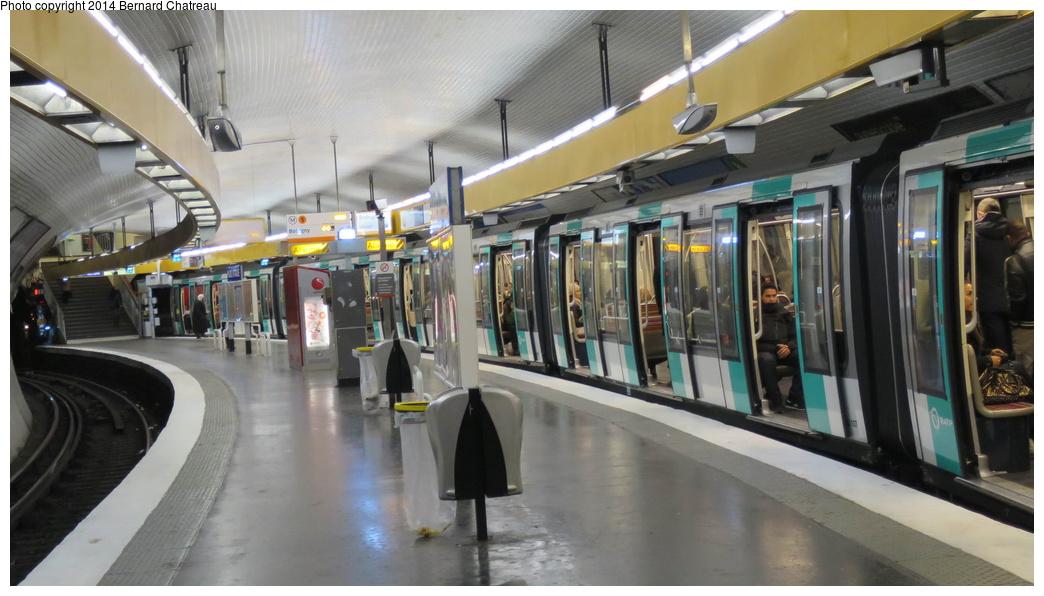 (256k, 1044x596)<br><b>Country:</b> France<br><b>City:</b> Paris<br><b>System:</b> RATP (Régie Autonome des Transports Parisiens)<br><b>Line:</b> Metro Ligne 5<br><b>Location:</b> Place d'Italie<br><b>Photo by:</b> Bernard Chatreau<br><b>Date:</b> 1/28/2014<br><b>Viewed (this week/total):</b> 0 / 176