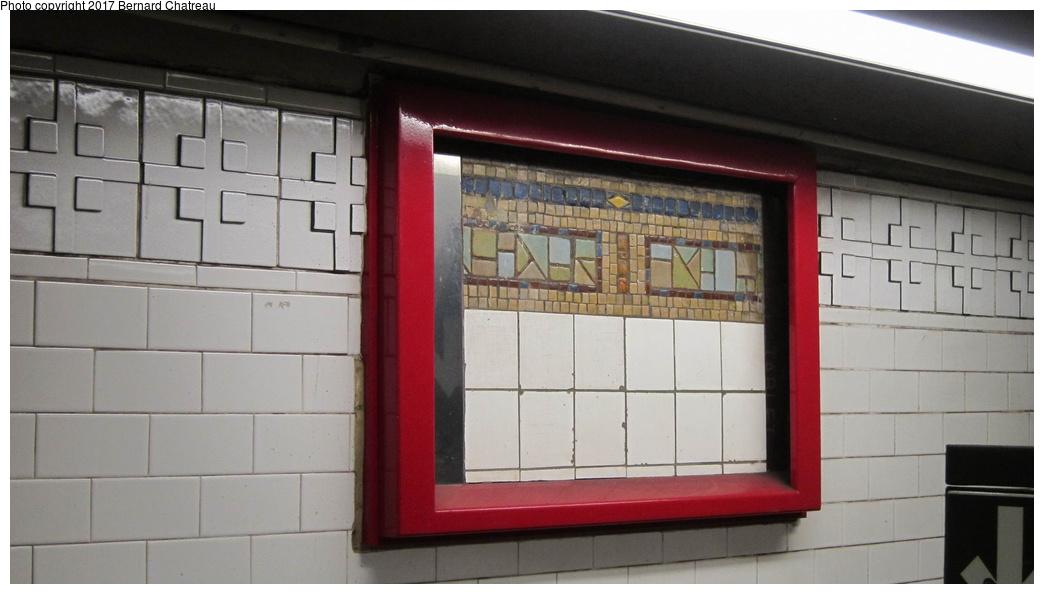 (194k, 1044x594)<br><b>Country:</b> United States<br><b>City:</b> New York<br><b>System:</b> New York City Transit<br><b>Line:</b> BMT Canarsie Line<br><b>Location:</b> Union Square <br><b>Photo by:</b> Bernard Chatreau<br><b>Date:</b> 4/8/2011<br><b>Viewed (this week/total):</b> 1 / 411