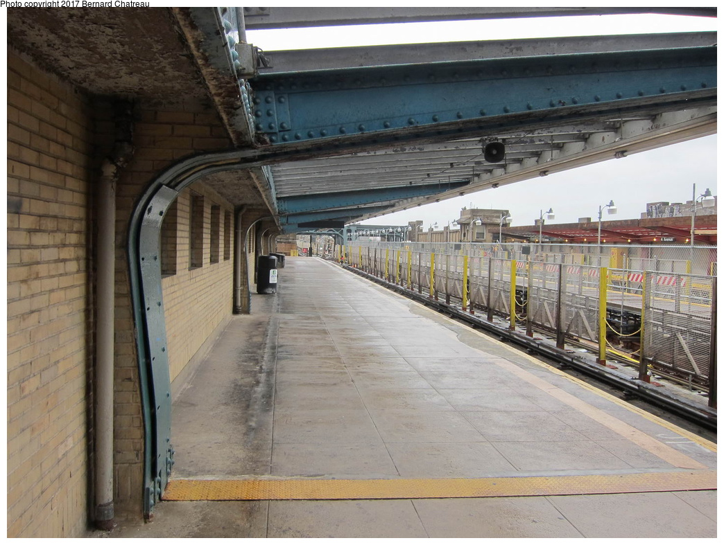 (331k, 1044x787)<br><b>Country:</b> United States<br><b>City:</b> New York<br><b>System:</b> New York City Transit<br><b>Line:</b> IND Crosstown Line<br><b>Location:</b> 4th Avenue <br><b>Photo by:</b> Bernard Chatreau<br><b>Date:</b> 4/16/2011<br><b>Viewed (this week/total):</b> 0 / 368