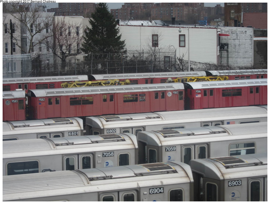 (310k, 1044x788)<br><b>Country:</b> United States<br><b>City:</b> New York<br><b>System:</b> New York City Transit<br><b>Location:</b> Unionport Yard<br><b>Car:</b> R-36 World's Fair (St. Louis, 1963-64) 9582 <br><b>Photo by:</b> Bernard Chatreau<br><b>Date:</b> 4/12/2011<br><b>Viewed (this week/total):</b> 0 / 514