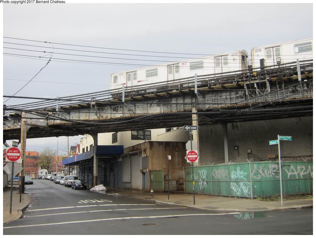 (298k, 1044x787)<br><b>Country:</b> United States<br><b>City:</b> New York<br><b>System:</b> New York City Transit<br><b>Line:</b> IRT White Plains Road Line<br><b>Location:</b> East 180th Street <br><b>Route:</b> 2<br><b>Car:</b> R-142 (Primary Order, Bombardier, 1999-2002)  6886 <br><b>Photo by:</b> Bernard Chatreau<br><b>Date:</b> 4/12/2011<br><b>Viewed (this week/total):</b> 5 / 584