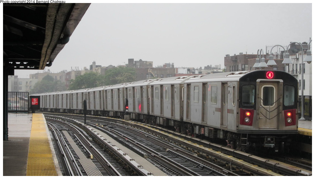 (226k, 1044x594)<br><b>Country:</b> United States<br><b>City:</b> New York<br><b>System:</b> New York City Transit<br><b>Line:</b> IRT Woodlawn Line<br><b>Location:</b> Fordham Road <br><b>Route:</b> 4<br><b>Car:</b> R-142 (Option Order, Bombardier, 2002-2003)  1176 <br><b>Photo by:</b> Bernard Chatreau<br><b>Date:</b> 9/23/2011<br><b>Viewed (this week/total):</b> 4 / 557