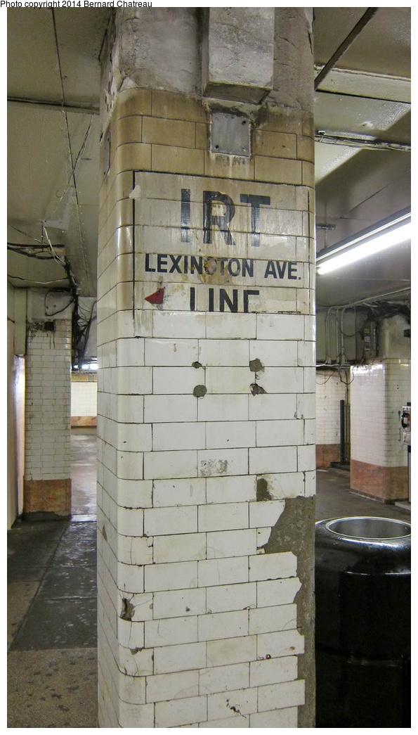 (229k, 595x1045)<br><b>Country:</b> United States<br><b>City:</b> New York<br><b>System:</b> New York City Transit<br><b>Line:</b> BMT Nassau Street/Jamaica Line<br><b>Location:</b> Chambers Street <br><b>Photo by:</b> Bernard Chatreau<br><b>Date:</b> 4/11/2011<br><b>Viewed (this week/total):</b> 2 / 453