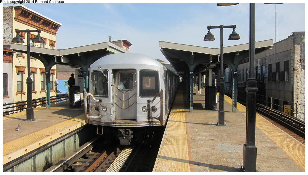 (278k, 1044x594)<br><b>Country:</b> United States<br><b>City:</b> New York<br><b>System:</b> New York City Transit<br><b>Line:</b> BMT Nassau Street/Jamaica Line<br><b>Location:</b> Myrtle Avenue <br><b>Route:</b> J<br><b>Car:</b> R-42 (St. Louis, 1969-1970)  4800 <br><b>Photo by:</b> Bernard Chatreau<br><b>Date:</b> 4/11/2011<br><b>Viewed (this week/total):</b> 2 / 374