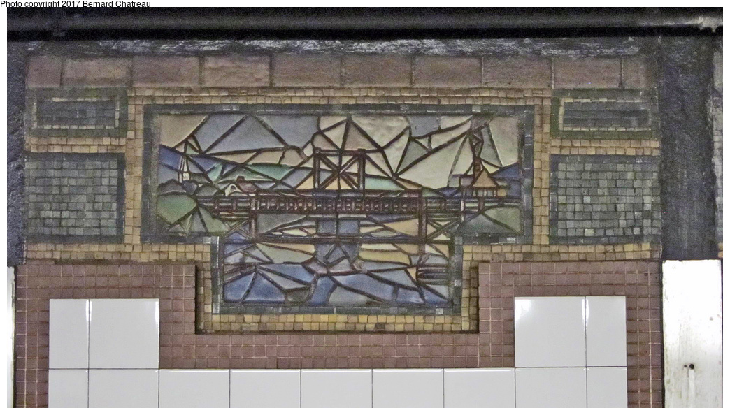 (312k, 1044x594)<br><b>Country:</b> United States<br><b>City:</b> New York<br><b>System:</b> New York City Transit<br><b>Line:</b> IRT East Side Line<br><b>Location:</b> 125th Street <br><b>Photo by:</b> Bernard Chatreau<br><b>Date:</b> 4/12/2011<br><b>Viewed (this week/total):</b> 0 / 391