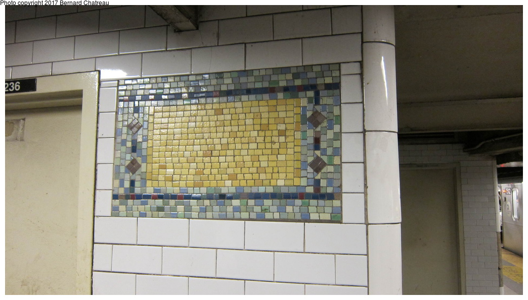 (217k, 1044x595)<br><b>Country:</b> United States<br><b>City:</b> New York<br><b>System:</b> New York City Transit<br><b>Line:</b> IRT East Side Line<br><b>Location:</b> 59th Street <br><b>Photo by:</b> Bernard Chatreau<br><b>Date:</b> 9/27/2011<br><b>Viewed (this week/total):</b> 0 / 432