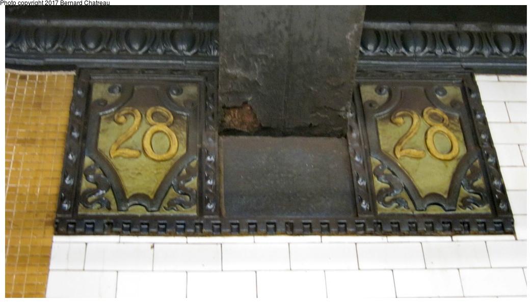 (197k, 1044x595)<br><b>Country:</b> United States<br><b>City:</b> New York<br><b>System:</b> New York City Transit<br><b>Line:</b> IRT East Side Line<br><b>Location:</b> 28th Street <br><b>Photo by:</b> Bernard Chatreau<br><b>Date:</b> 10/4/2011<br><b>Viewed (this week/total):</b> 5 / 440