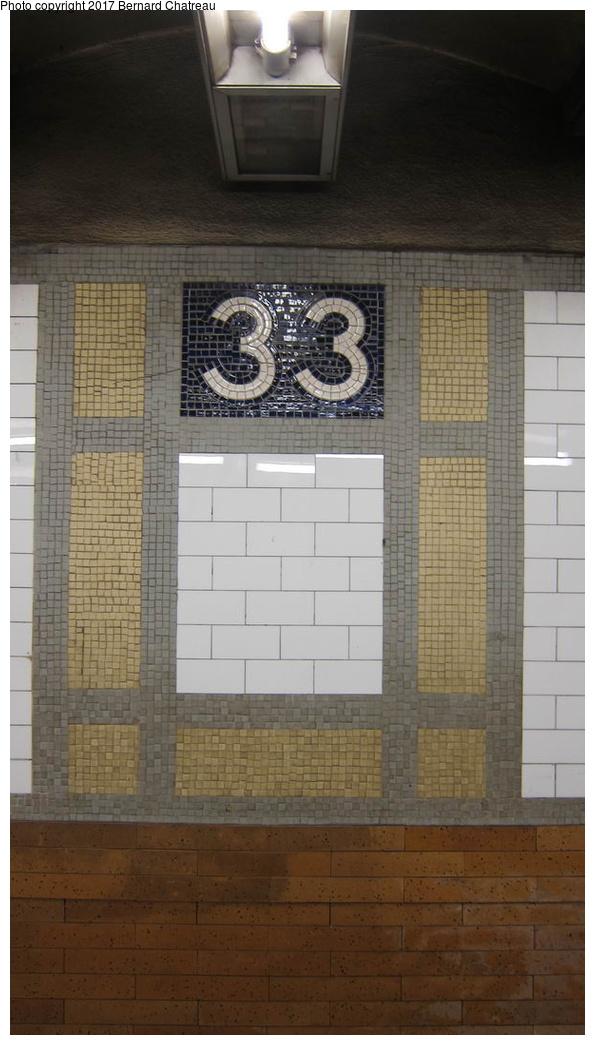 (204k, 595x1045)<br><b>Country:</b> United States<br><b>City:</b> New York<br><b>System:</b> New York City Transit<br><b>Line:</b> IRT East Side Line<br><b>Location:</b> 33rd Street <br><b>Photo by:</b> Bernard Chatreau<br><b>Date:</b> 10/4/2011<br><b>Viewed (this week/total):</b> 3 / 397