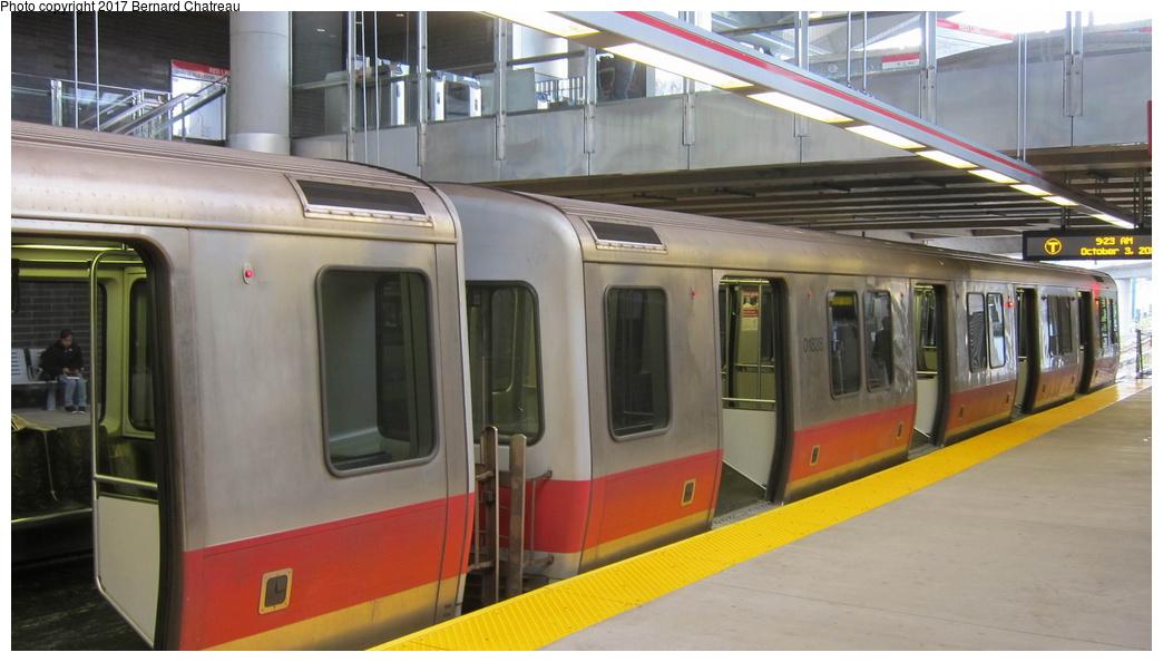 (224k, 1044x594)<br><b>Country:</b> United States<br><b>City:</b> Boston, MA<br><b>System:</b> MBTA<br><b>Line:</b> MBTA Red Line<br><b>Location:</b> Ashmont<br><b>Car:</b> MBTA 01800 Series (Bombardier, 1993-1994) 01828 <br><b>Photo by:</b> Bernard Chatreau<br><b>Date:</b> 10/3/2011<br><b>Viewed (this week/total):</b> 0 / 190