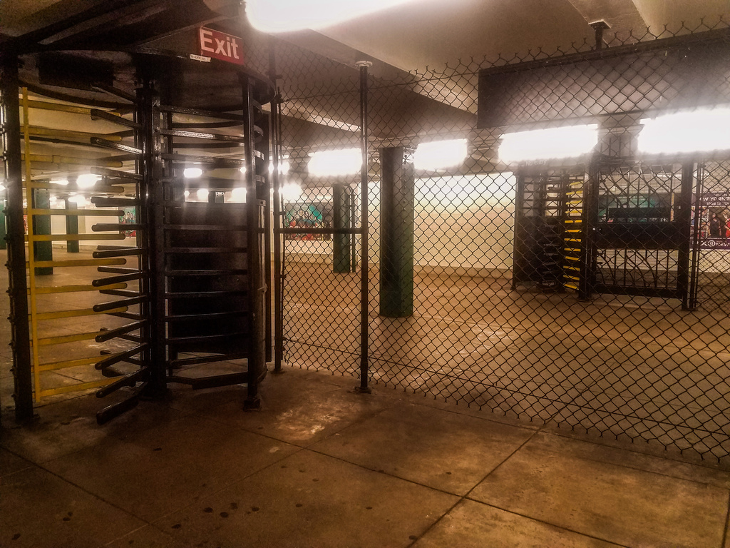 (437k, 1024x768)<br><b>Country:</b> United States<br><b>City:</b> New York<br><b>System:</b> New York City Transit<br><b>Line:</b> IND Crosstown Line<br><b>Location:</b> Clinton/Washington Aves. <br><b>Photo by:</b> John Dooley<br><b>Date:</b> 9/7/2017<br><b>Viewed (this week/total):</b> 0 / 189