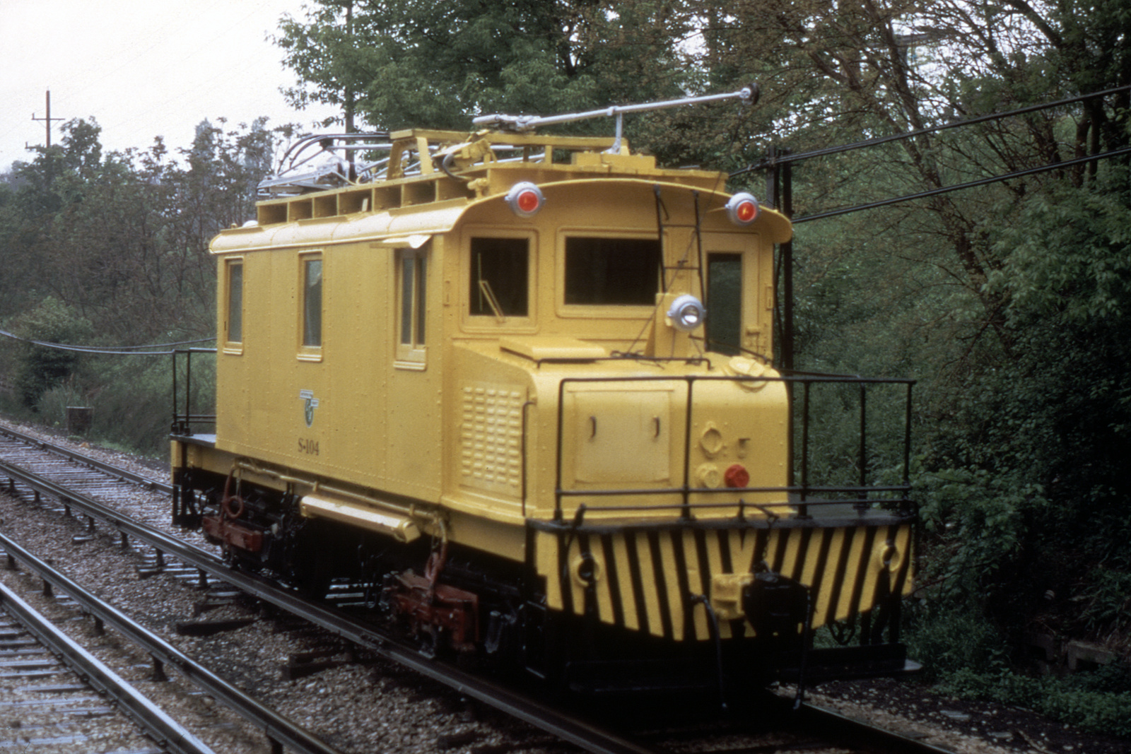 (489k, 1024x683)<br><b>Country:</b> United States<br><b>City:</b> Chicago, IL<br><b>System:</b> Chicago Transit Authority <br><b>Line:</b> CTA Yellow (Skokie)<br><b>Car:</b> CTA Work Cars S-104 <br><b>Collection of:</b> David Pirmann<br><b>Viewed (this week/total):</b> 2 / 436