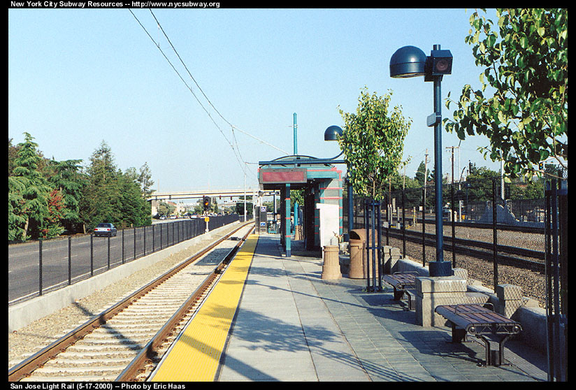 (199k, 824x558)<br><b>Country:</b> United States<br><b>City:</b> San Jose, CA<br><b>System:</b> Santa Clara VTA<br><b>Line:</b> VTA Tasman West/Mountain View<br><b>Location:</b> Evelyn <br><b>Photo by:</b> Eric Haas<br><b>Date:</b> 5/17/2000<br><b>Viewed (this week/total):</b> 0 / 2155