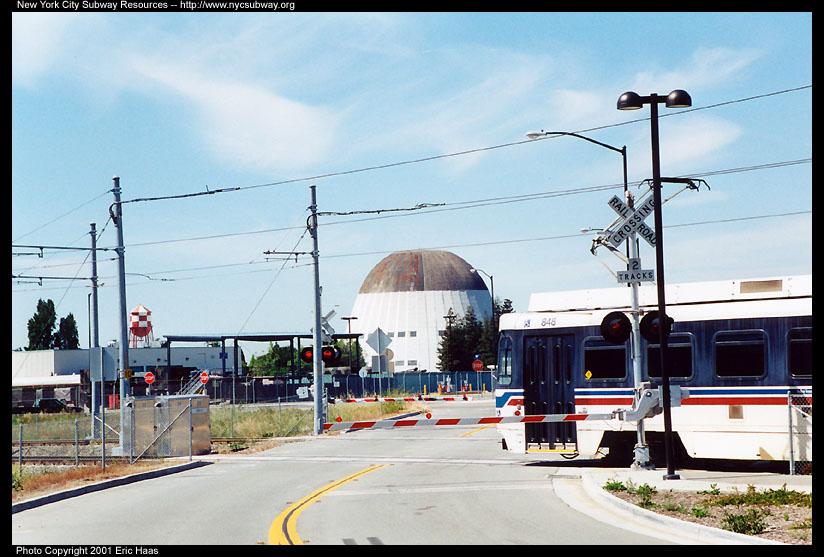 (123k, 824x557)<br><b>Country:</b> United States<br><b>City:</b> San Jose, CA<br><b>System:</b> Santa Clara VTA<br><b>Line:</b> VTA Tasman West/Mountain View<br><b>Location:</b> NASA/Bayshore <br><b>Car:</b> VTA UTDC 848 <br><b>Photo by:</b> Eric Haas<br><b>Date:</b> 5/4/2001<br><b>Viewed (this week/total):</b> 2 / 3756