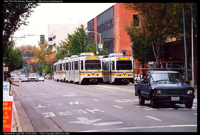 (158k, 824x557)<br><b>Country:</b> United States<br><b>City:</b> Sacramento, CA<br><b>System:</b> SACRT Light Rail<br><b>Location:</b> 12th & I <br><b>Photo by:</b> Eric Haas<br><b>Date:</b> 10/25/2000<br><b>Viewed (this week/total):</b> 0 / 2502