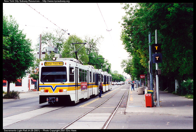 (163k, 824x557)<br><b>Country:</b> United States<br><b>City:</b> Sacramento, CA<br><b>System:</b> SACRT Light Rail<br><b>Location:</b> 12th & I <br><b>Car:</b> Sacramento Siemens LRV  136 <br><b>Photo by:</b> Eric Haas<br><b>Date:</b> 4/28/2001<br><b>Notes:</b> This is the 12th & I station, not much to look at.<br><b>Viewed (this week/total):</b> 0 / 1854