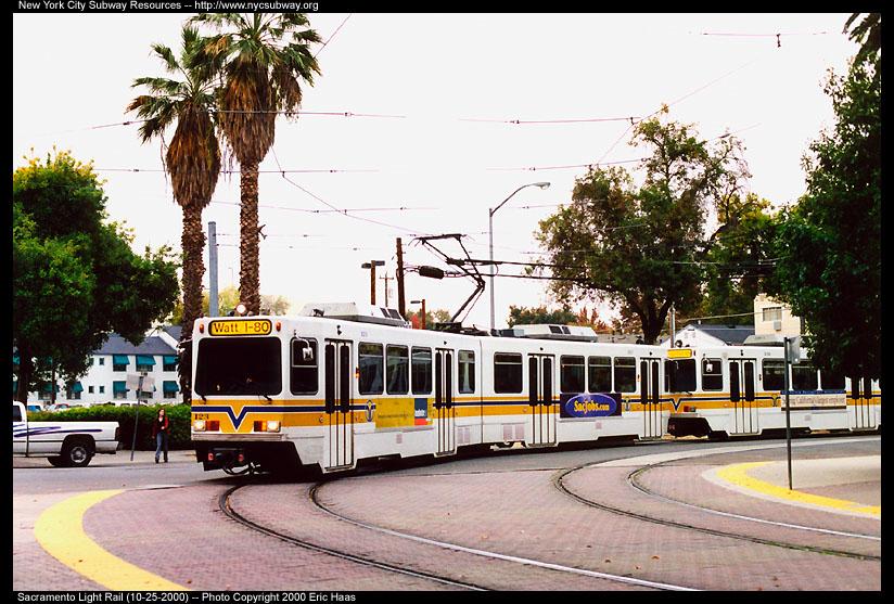 (168k, 824x557)<br><b>Country:</b> United States<br><b>City:</b> Sacramento, CA<br><b>System:</b> SACRT Light Rail<br><b>Location:</b> Archives Plaza <br><b>Car:</b> Sacramento Siemens LRV  123 <br><b>Photo by:</b> Eric Haas<br><b>Date:</b> 10/25/2000<br><b>Viewed (this week/total):</b> 0 / 2118