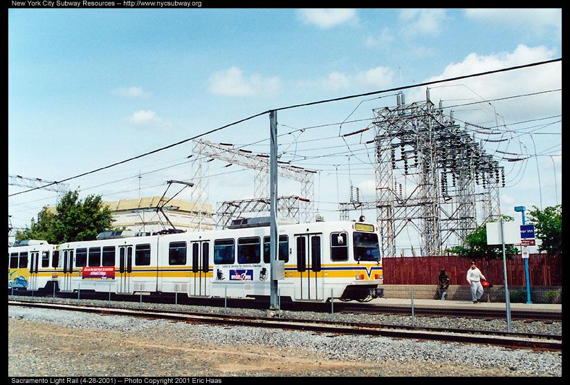 (179k, 824x557)<br><b>Country:</b> United States<br><b>City:</b> Sacramento, CA<br><b>System:</b> SACRT Light Rail<br><b>Location:</b> Power Inn <br><b>Photo by:</b> Eric Haas<br><b>Date:</b> 4/28/2001<br><b>Viewed (this week/total):</b> 0 / 1788
