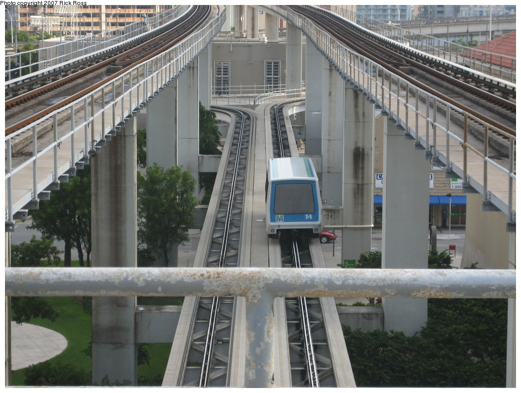 (242k, 1044x788)<br><b>Country:</b> United States<br><b>City:</b> Miami, FL<br><b>System:</b> Miami Metromover<br><b>Location:</b> Government Center <br><b>Photo by:</b> Rick Ross<br><b>Date:</b> 9/17/2006<br><b>Viewed (this week/total):</b> 0 / 1924