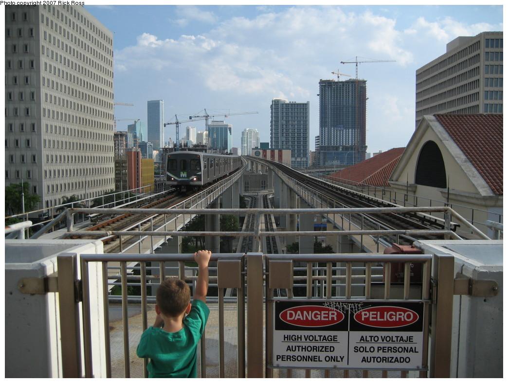 (240k, 1044x788)<br><b>Country:</b> United States<br><b>City:</b> Miami, FL<br><b>System:</b> Miami Metrorail<br><b>Location:</b> Government Center <br><b>Photo by:</b> Rick Ross<br><b>Date:</b> 9/17/2006<br><b>Viewed (this week/total):</b> 2 / 2014