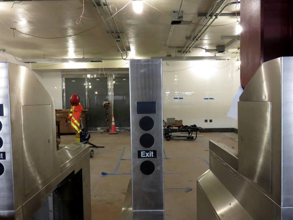 (90k, 1024x768)<br><b>Country:</b> United States<br><b>City:</b> New York<br><b>System:</b> New York City Transit<br><b>Line:</b> IRT West Side Line<br><b>Location:</b> Cortlandt Street-World Trade Center <br><b>Photo by:</b> Robbie Rosenfeld<br><b>Date:</b> 10/30/2017<br><b>Notes:</b> Work on new Cortlandt St. station.<br><b>Viewed (this week/total):</b> 8 / 1088