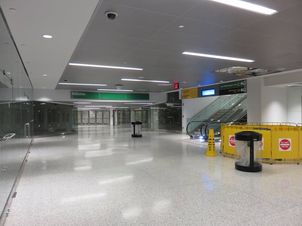 (95k, 1024x768)<br><b>Country:</b> United States<br><b>City:</b> New York<br><b>System:</b> New York City Transit<br><b>Line:</b> IND 8th Avenue Line<br><b>Location:</b> 175th Street/George Washington Bridge Bus Terminal <br><b>Photo by:</b> Robbie Rosenfeld<br><b>Date:</b> 9/4/2017<br><b>Notes:</b> Renovated passageway to A train station.<br><b>Viewed (this week/total):</b> 22 / 267