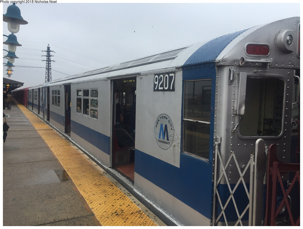 (256k, 1044x788)<br><b>Country:</b> United States<br><b>City:</b> New York<br><b>System:</b> New York City Transit<br><b>Line:</b> IRT Flushing Line<br><b>Location:</b> 61st Street/Woodside <br><b>Route:</b> Museum Train Service<br><b>Car:</b> R-33 Main Line (St. Louis, 1962-63) 9207 <br><b>Photo by:</b> Nicholas Noel<br><b>Date:</b> 3/29/2018<br><b>Viewed (this week/total):</b> 2 / 333
