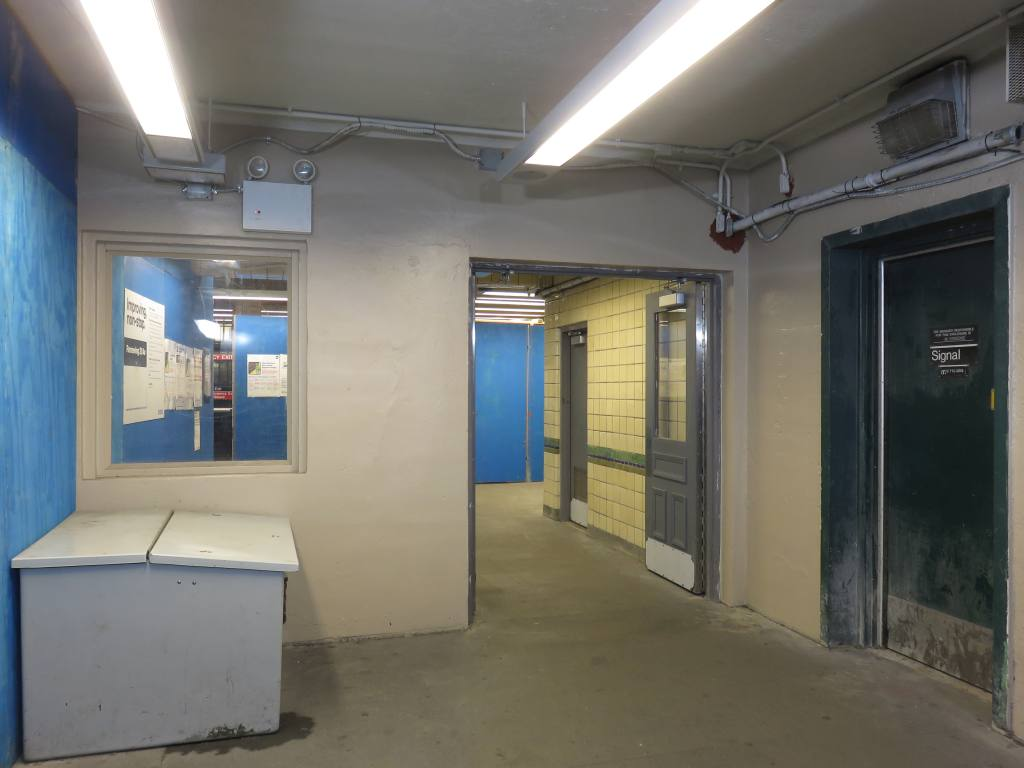 (75k, 1024x768)<br><b>Country:</b> United States<br><b>City:</b> New York<br><b>System:</b> New York City Transit<br><b>Line:</b> BMT Sea Beach Line<br><b>Location:</b> 20th Avenue <br><b>Photo by:</b> Robbie Rosenfeld<br><b>Date:</b> 5/23/2018<br><b>Notes:</b> Station renovations.<br><b>Viewed (this week/total):</b> 0 / 487