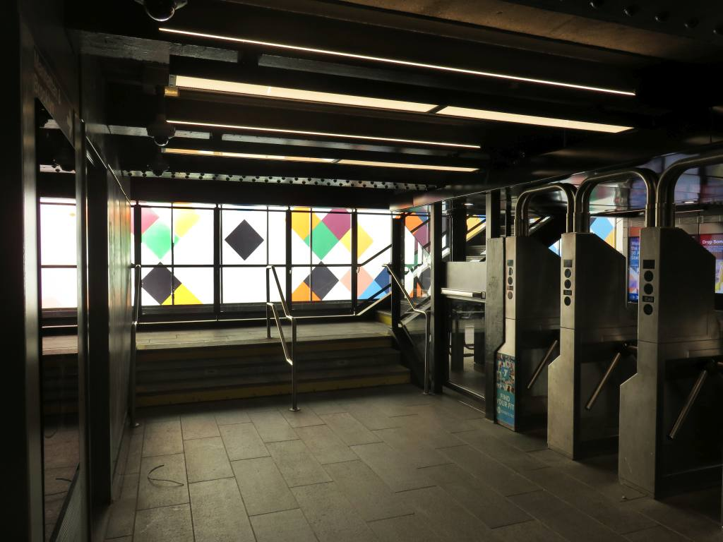 (102k, 1024x768)<br><b>Country:</b> United States<br><b>City:</b> New York<br><b>System:</b> New York City Transit<br><b>Line:</b> BMT Astoria Line<br><b>Location:</b> 30th/Grand Aves. <br><b>Photo by:</b> Robbie Rosenfeld<br><b>Date:</b> 6/26/2018<br><b>Artwork:</b> <i>Perasma I and II</i>, Stephen Westfall (2018).<br><b>Viewed (this week/total):</b> 1 / 478