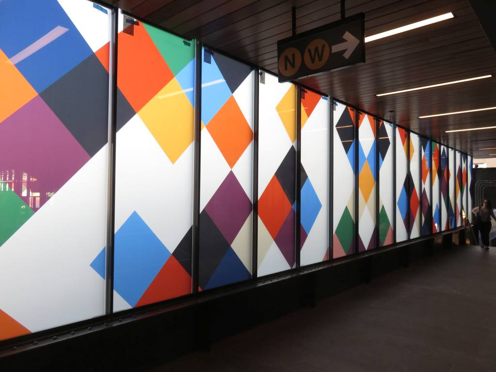 (90k, 1024x768)<br><b>Country:</b> United States<br><b>City:</b> New York<br><b>System:</b> New York City Transit<br><b>Line:</b> BMT Astoria Line<br><b>Location:</b> 30th/Grand Aves. <br><b>Photo by:</b> Robbie Rosenfeld<br><b>Date:</b> 6/26/2018<br><b>Artwork:</b> <i>Perasma I and II</i>, Stephen Westfall (2018).<br><b>Viewed (this week/total):</b> 1 / 186