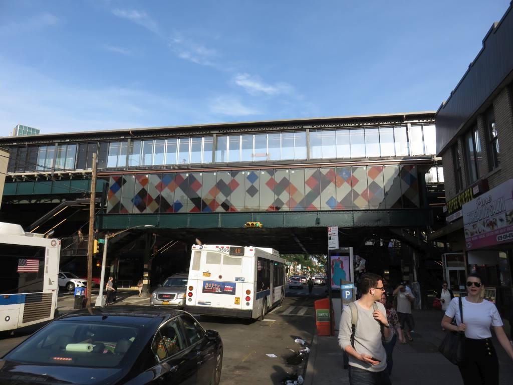 (115k, 1024x768)<br><b>Country:</b> United States<br><b>City:</b> New York<br><b>System:</b> New York City Transit<br><b>Line:</b> BMT Astoria Line<br><b>Location:</b> 30th/Grand Aves. <br><b>Photo by:</b> Robbie Rosenfeld<br><b>Date:</b> 6/26/2018<br><b>Artwork:</b> <i>Perasma I and II</i>, Stephen Westfall (2018).<br><b>Viewed (this week/total):</b> 1 / 679