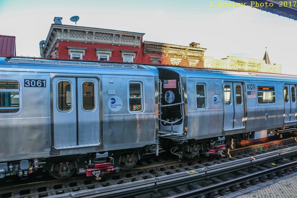 (271k, 1024x683)<br><b>Country:</b> United States<br><b>City:</b> New York<br><b>System:</b> New York City Transit<br><b>Line:</b> BMT Nassau Street/Jamaica Line<br><b>Location:</b> Marcy Avenue <br><b>Route:</b> Testing<br><b>Car:</b> R-179 (Bombardier, 2016-) 3061/3062 <br><b>Photo by:</b> John Dooley<br><b>Date:</b> 11/19/2017<br><b>Viewed (this week/total):</b> 4 / 335