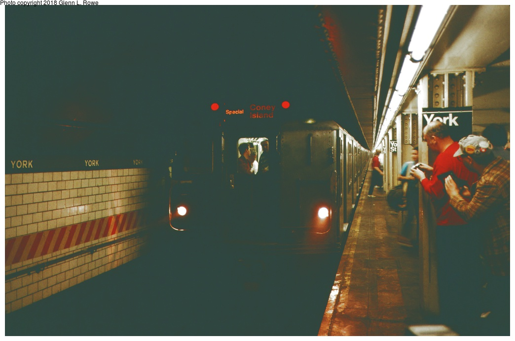 (154k, 1044x692)<br><b>Country:</b> United States<br><b>City:</b> New York<br><b>System:</b> New York City Transit<br><b>Line:</b> IND 6th Avenue Line<br><b>Location:</b> York Street <br><b>Car:</b> R-10 (American Car & Foundry, 1948) 3018 <br><b>Photo by:</b> Glenn L. Rowe<br><b>Date:</b> 10/29/1989<br><b>Viewed (this week/total):</b> 8 / 566