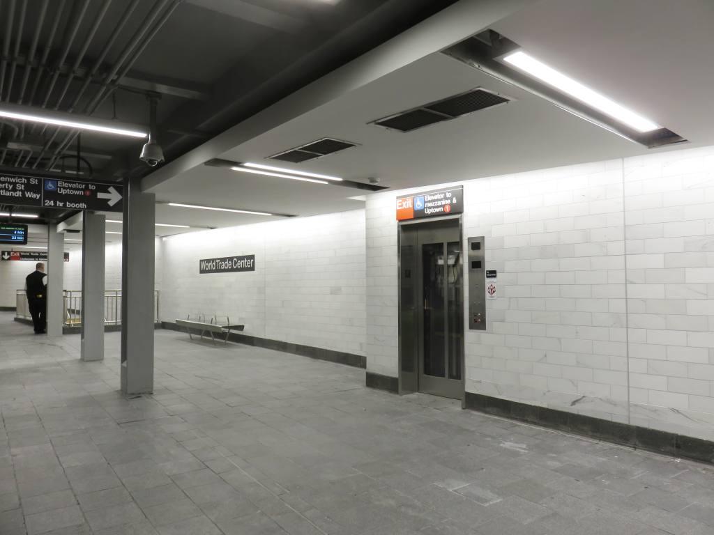 (76k, 1024x768)<br><b>Country:</b> United States<br><b>City:</b> New York<br><b>System:</b> New York City Transit<br><b>Line:</b> IRT West Side Line<br><b>Location:</b> Cortlandt Street-World Trade Center <br><b>Photo by:</b> Robbie Rosenfeld<br><b>Date:</b> 9/12/2018<br><b>Notes:</b> New station - platform<br><b>Viewed (this week/total):</b> 0 / 375