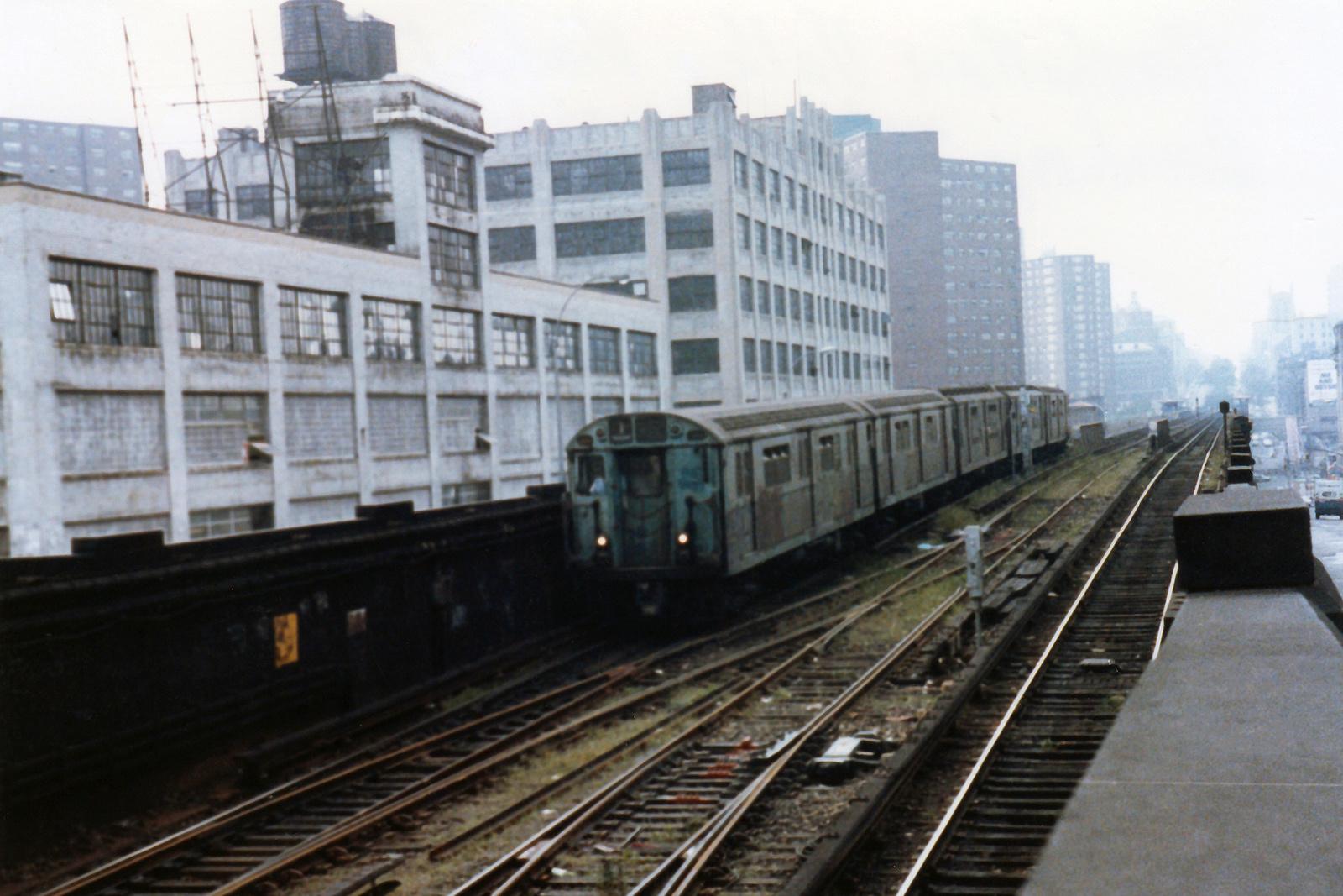 (683k, 1600x1067)<br><b>Country:</b> United States<br><b>City:</b> New York<br><b>System:</b> New York City Transit<br><b>Line:</b> IRT West Side Line<br><b>Location:</b> 125th Street <br><b>Route:</b> 1<br><b>Car:</b> R-36 World's Fair (St. Louis, 1963-64)  <br><b>Collection of:</b> Nicholas Fabrizio<br><b>Viewed (this week/total):</b> 0 / 501