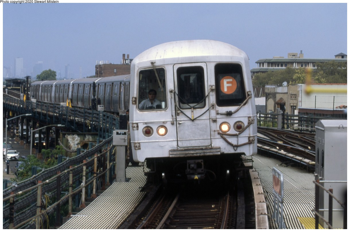 (645k, 1620x1072)<br><b>Country:</b> United States<br><b>City:</b> New York<br><b>System:</b> New York City Transit<br><b>Line:</b> BMT Culver Line<br><b>Location:</b> Kings Highway <br><b>Route:</b> F<br><b>Car:</b> R-46 (Pullman-Standard, 1974-75) 5512 <br><b>Photo by:</b> Stewart Milstein<br><b>Date:</b> 9/26/2019<br><b>Viewed (this week/total):</b> 3 / 196
