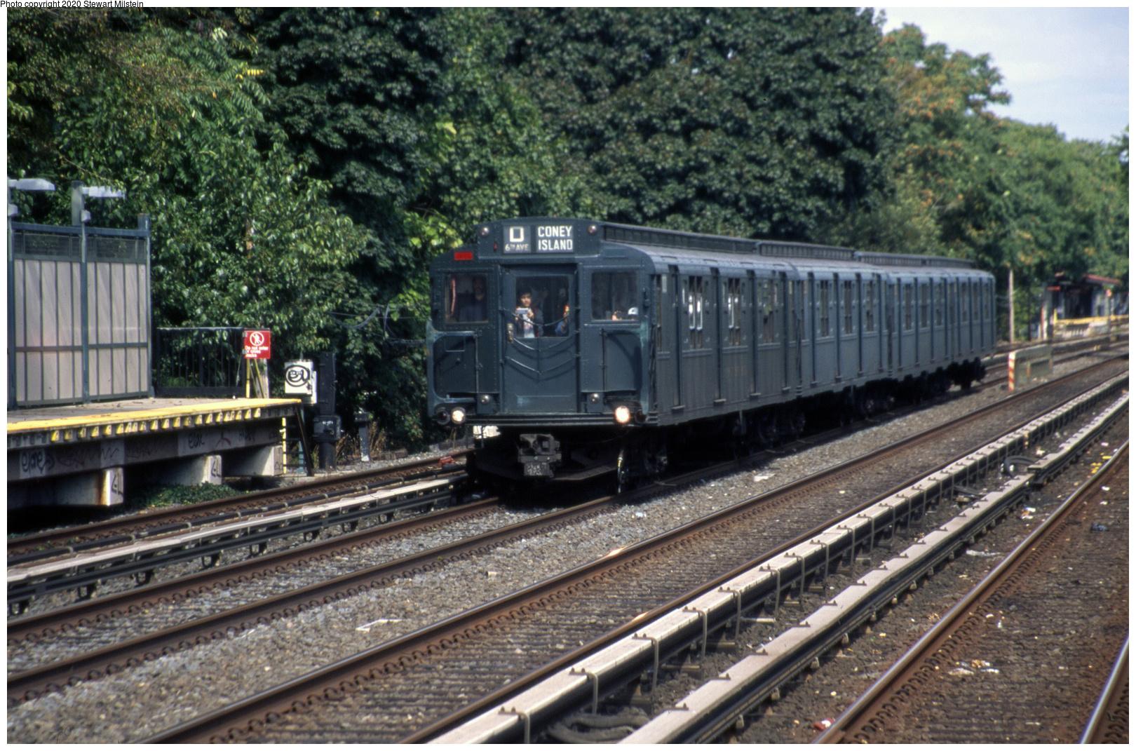 (881k, 1620x1071)<br><b>Country:</b> United States<br><b>City:</b> New York<br><b>System:</b> New York City Transit<br><b>Line:</b> BMT Brighton Line<br><b>Location:</b> Neck Road<br><b>Route:</b> Museum Train Service<br><b>Car:</b> R-1 (American Car & Foundry, 1930-1931) 100 <br><b>Photo by:</b> Stewart Milstein<br><b>Date:</b> 9/28/2019<br><b>Viewed (this week/total):</b> 0 / 207