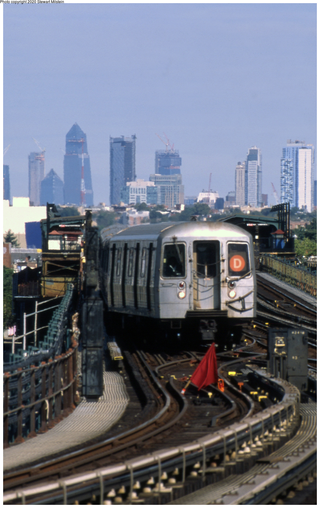 (573k, 1023x1620)<br><b>Country:</b> United States<br><b>City:</b> New York<br><b>System:</b> New York City Transit<br><b>Line:</b> BMT Culver Line<br><b>Location:</b> Kings Highway <br><b>Route:</b> D reroute<br><b>Car:</b> R-68 (Westinghouse-Amrail, 1986-1988)  2608 <br><b>Photo by:</b> Stewart Milstein<br><b>Date:</b> 9/30/2018<br><b>Viewed (this week/total):</b> 22 / 68