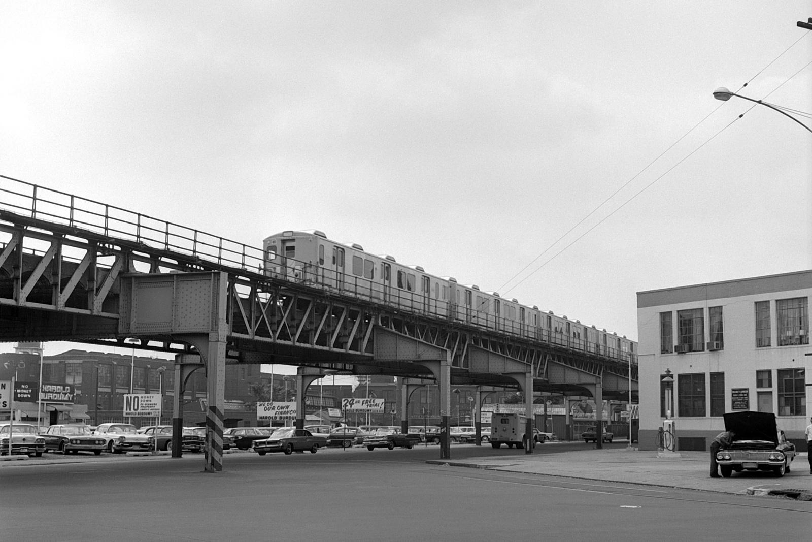 (514k, 1600x1067)<br><b>Country:</b> United States<br><b>City:</b> Philadelphia, PA<br><b>System:</b> SEPTA (or Predecessor)<br><b>Line:</b> Market-Frankford El<br><b>Location:</b> Erie-Torresdale<br><b>Car:</b> SEPTA M-3 (Budd, 1960)  <br><b>Collection of:</b> David Pirmann<br><b>Date:</b> 8/29/1964<br><b>Viewed (this week/total):</b> 3 / 107