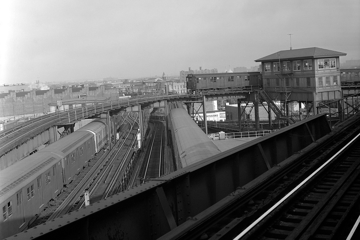 (344k, 1200x800)<br><b>Country:</b> United States<br><b>City:</b> New York<br><b>System:</b> New York City Transit<br><b>Line:</b> BMT Nassau Street/Jamaica Line<br><b>Location:</b> Broadway/East New York (Broadway Junction) <br><b>Route:</b> M reroute<br><b>Car:</b> R-7 (American Car & Foundry, 1937)  1456 <br><b>Collection of:</b> David Pirmann<br><b>Date:</b> 5/20/1971<br><b>Notes:</b> M at Broadway Jct reroute to Atlantic Ave<br><b>Viewed (this week/total):</b> 3 / 158