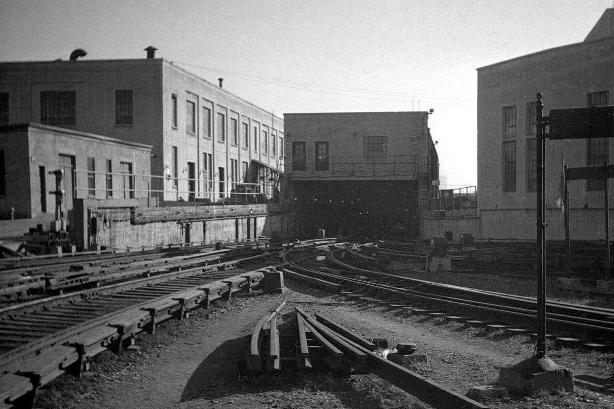 (344k, 1200x800)<br><b>Country:</b> United States<br><b>City:</b> New York<br><b>System:</b> New York City Transit<br><b>Location:</b> Lenox/148th St. Yard<br><b>Collection of:</b> David Pirmann<br><b>Date:</b> 1948<br><b>Notes:</b> IRT 148th Street Yard Portal<br><b>Viewed (this week/total):</b> 3 / 153