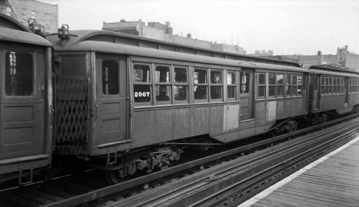 (258k, 1200x693)<br><b>Country:</b> United States<br><b>City:</b> New York<br><b>System:</b> New York City Transit<br><b>Line:</b> 3rd Avenue El<br><b>Car:</b> Composite 2067 <br><b>Photo by:</b> Walter Broschart<br><b>Collection of:</b> David Pirmann<br><b>Viewed (this week/total):</b> 4 / 82