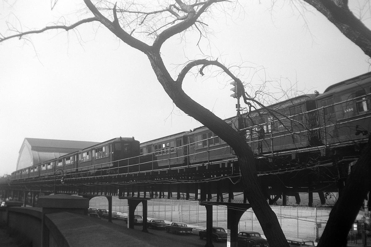 (348k, 1200x800)<br><b>Country:</b> United States<br><b>City:</b> New York<br><b>System:</b> New York City Transit<br><b>Line:</b> IRT Woodlawn Line<br><b>Location:</b> Kingsbridge Road <br><b>Route:</b> Layup<br><b>Car:</b> Low-V 5095 etc <br><b>Collection of:</b> David Pirmann<br><b>Date:</b> 10/7/1961<br><b>Viewed (this week/total):</b> 0 / 104