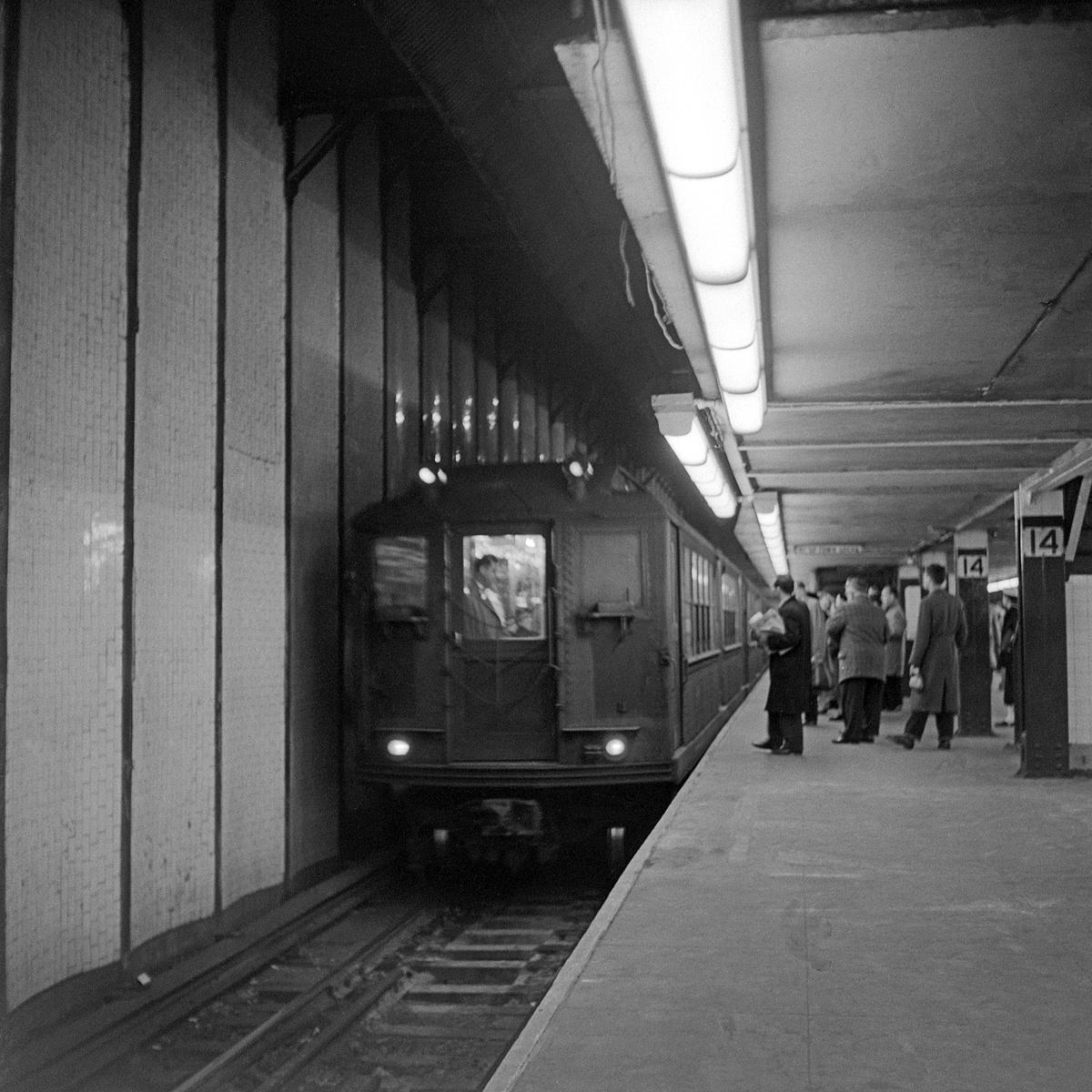 (562k, 1200x1200)<br><b>Country:</b> United States<br><b>City:</b> New York<br><b>System:</b> New York City Transit<br><b>Line:</b> IRT East Side Line<br><b>Location:</b> 14th Street/Union Square <br><b>Car:</b> Low-V  <br><b>Collection of:</b> David Pirmann<br><b>Notes:</b> Low-V train at 14th Street-Lexington Ave Local<br><b>Viewed (this week/total):</b> 8 / 221