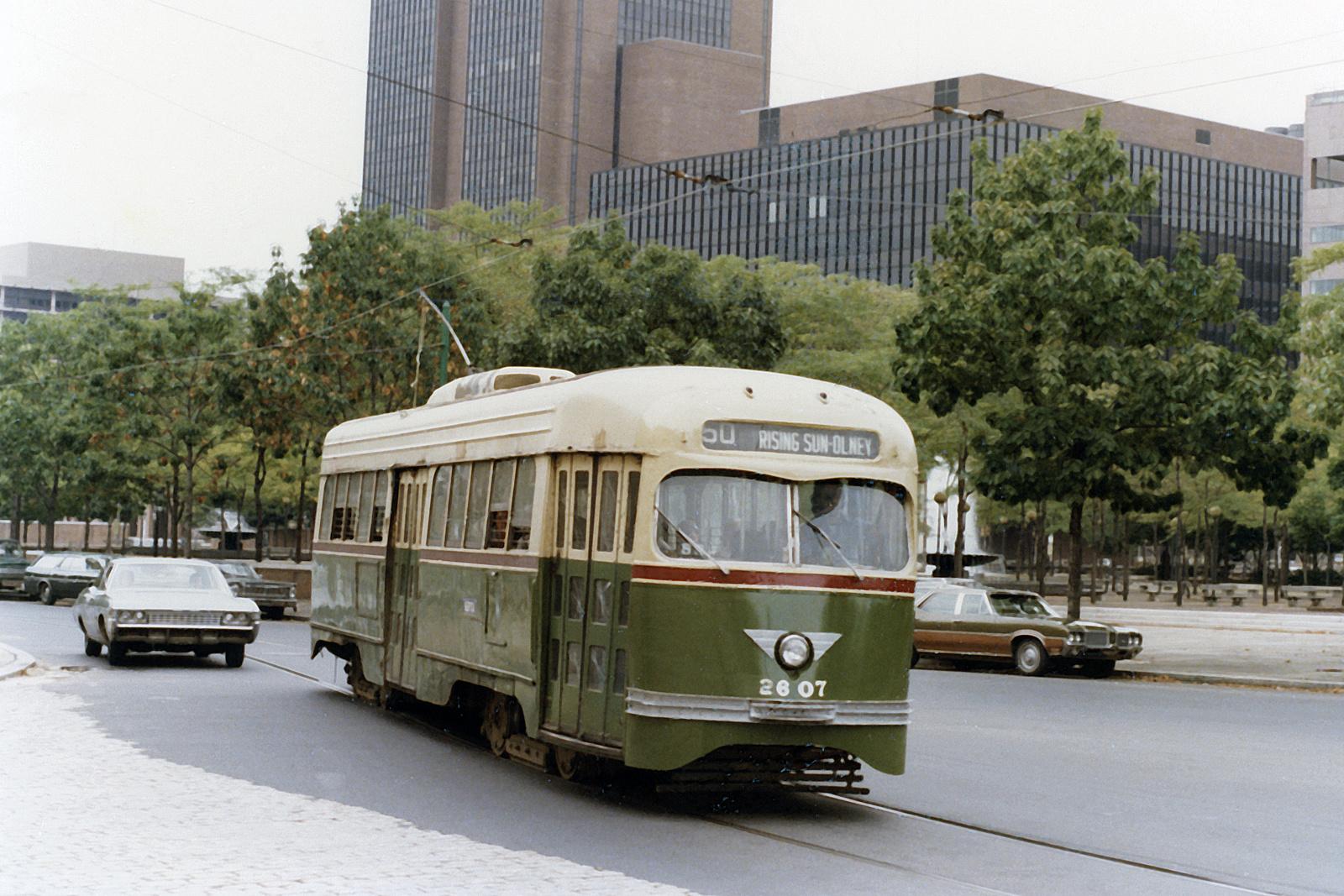 (904k, 1600x1067)<br><b>Country:</b> United States<br><b>City:</b> Philadelphia, PA<br><b>System:</b> SEPTA (or Predecessor)<br><b>Line:</b> Rt. 50-Rising Sun<br><b>Location:</b> 5th/Arch<br><b>Car:</b> PTC/SEPTA Wartime Air-car PCC (St.Louis, 1942) 2607 <br><b>Photo by:</b> Ralph Curcio<br><b>Collection of:</b> David Pirmann<br><b>Date:</b> 9/7/1975<br><b>Viewed (this week/total):</b> 0 / 98