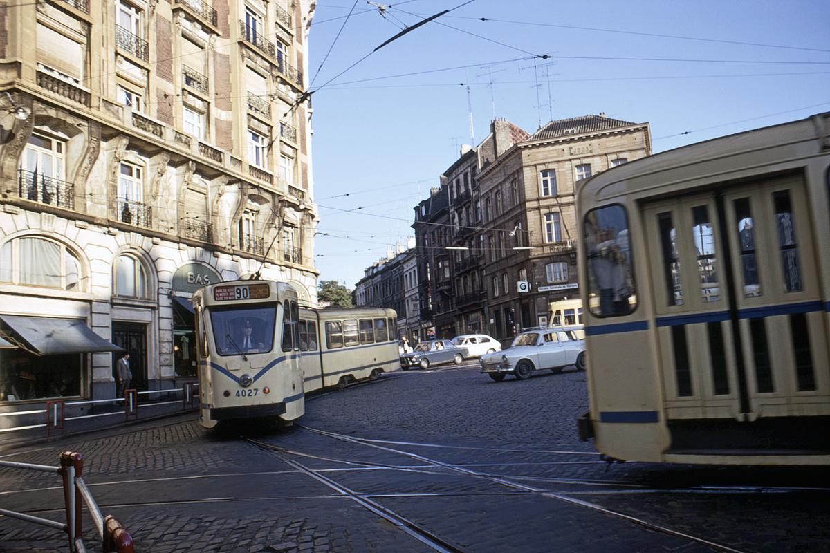 (516k, 1200x800)<br><b>Country:</b> Belgium<br><b>City:</b> Brussels<br><b>System:</b> STIB (Societé des Transports Intercommunaux de Bruxelles)<br><b>Car:</b> Brussels Tram 4027 <br><b>Collection of:</b> David Pirmann<br><b>Viewed (this week/total):</b> 1 / 50
