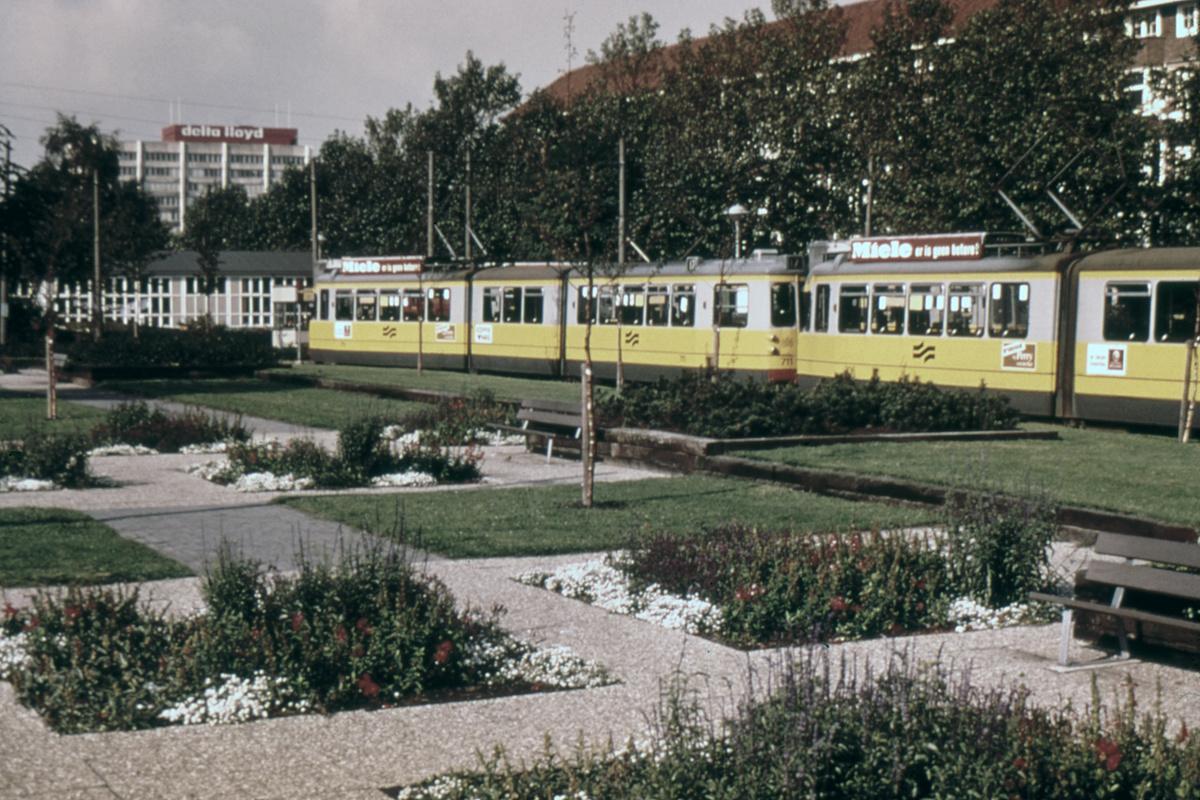 (499k, 1200x800)<br><b>Country:</b> The Netherlands<br><b>City:</b> Amsterdam<br><b>System:</b> GVB (Gemeente Vervoerbedrijf)<br><b>Location:</b> Surinameplein<br><b>Route:</b> Rt 17<br><b>Car:</b> Type 7G 711 <br><b>Collection of:</b> David Pirmann<br><b>Viewed (this week/total):</b> 1 / 76